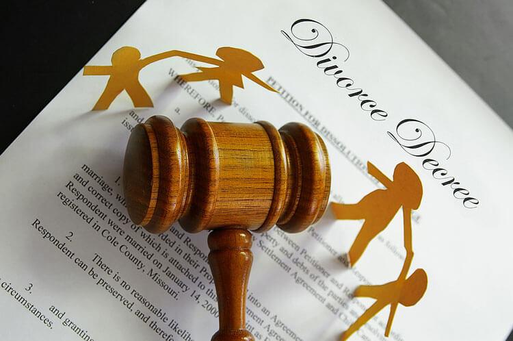 مزایای حضور وکیل در دعوی طلاق و سایر دعاوی خانواده